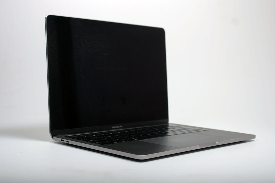 MacBook Pro A1706  Touch/Late 2016   13''  3.3 GHz Core i7 (I7-6567U) 16GB 250GB SSD