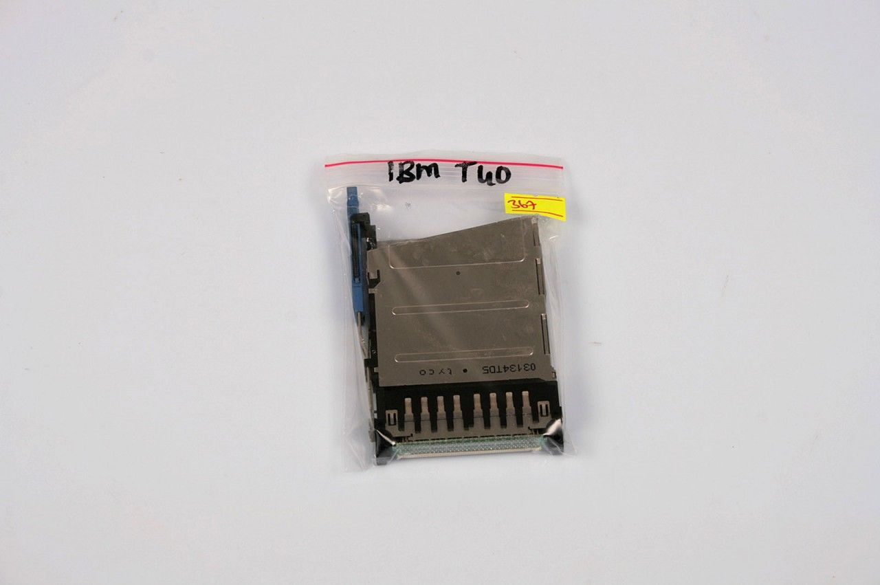 IBM Thinkpad T40 T41 T42 PCMCIA Card Slot 91P8391