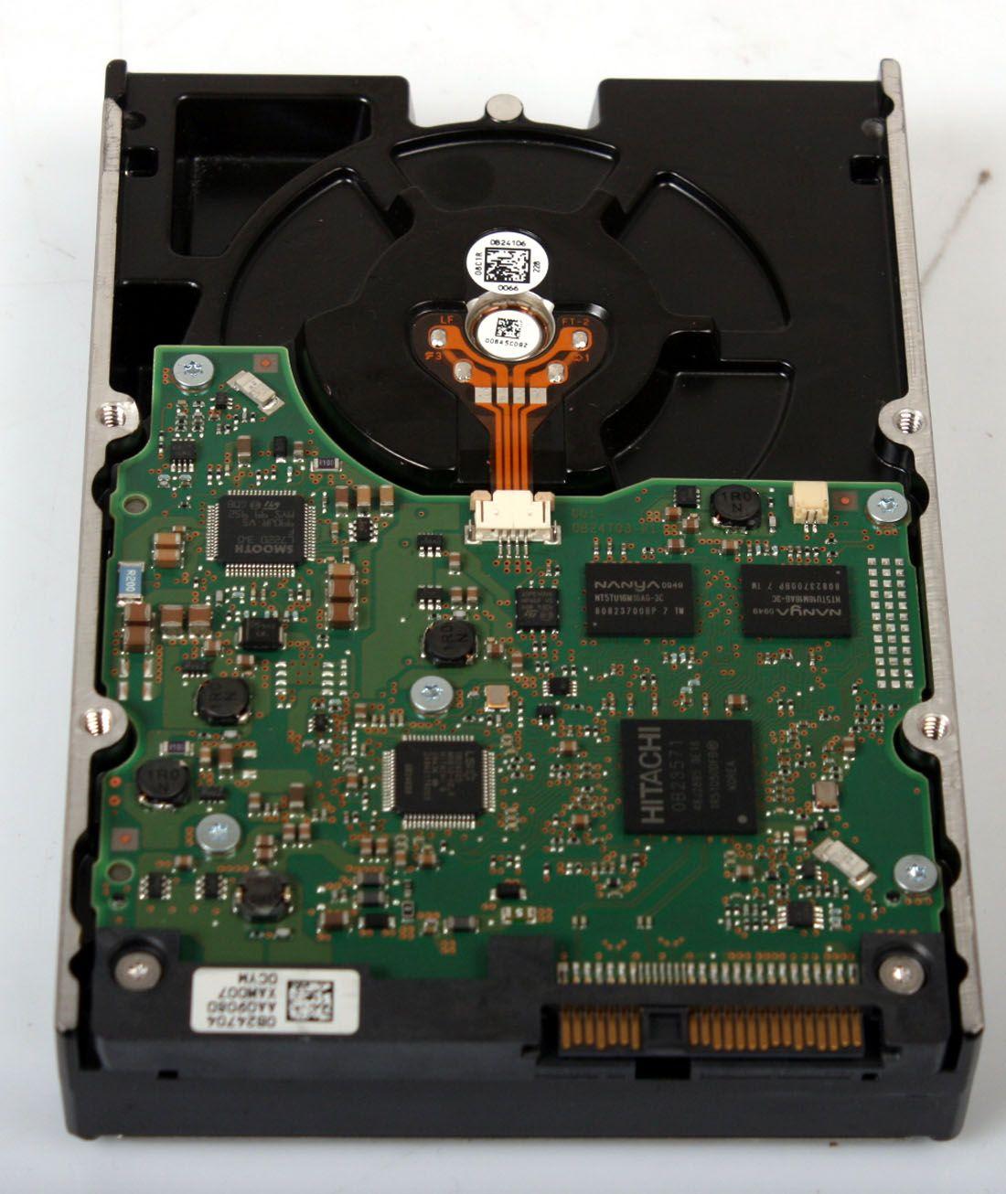 HITACHI ULTRASTAR 300GB 15K SAS SERVER HARD DRIVE HUS156030VLS600