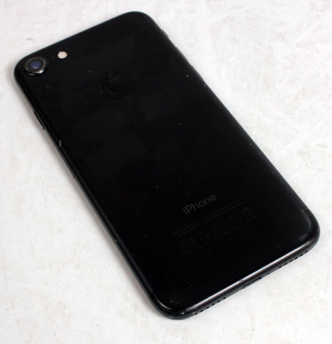 Apple iPhone 7 128GB MATE BLACK Unlocked